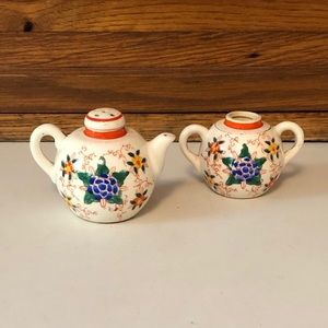 Vintage Tea Pot and Sugar Bowl Salt/Pepper Shakers